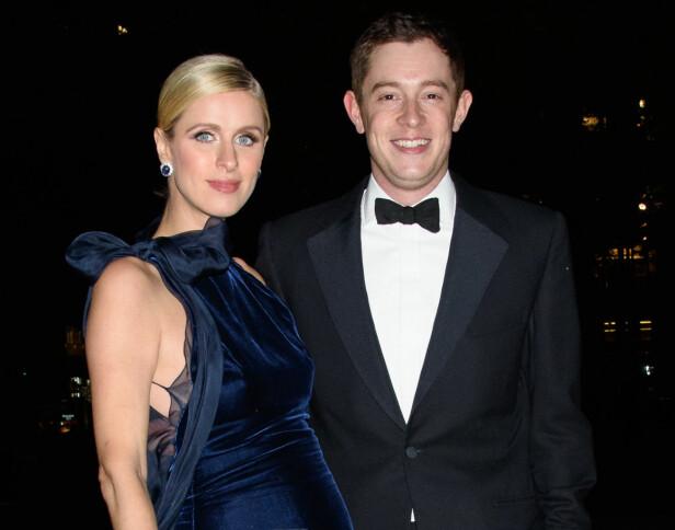 GIFT: Nicky og James giftet seg i fjor. Nå er de blitt tobarnsforeldre. Foto: Splash News