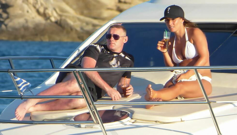 <strong>VENTER BARN:</strong> Wayne og Coleen Rooney venter sitt fjerde barn sammen. Her var ekteparet på ferie tidligere i år. Foto: Splash News