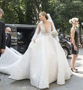 RÅDYR: Kjolen hadde en prislapp på over åtte millioner norske kroner. Foto: NTB Scanpix