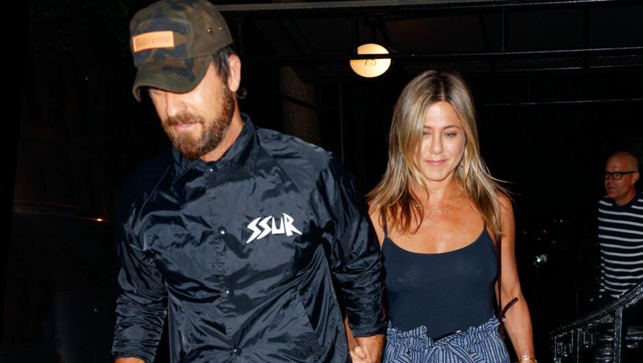 INGEN SKILSMISSE: Flere kilder avviser ryktene om at Jennifer Aniston og ektemannen Justin Theroux skal skilles. Foto: Splash News