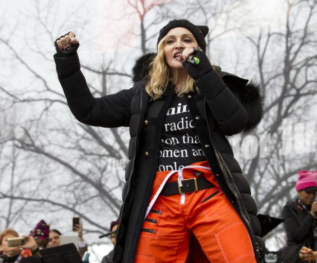POPIKONET: Eks-kjæresten mener Madonna var grunnen til at han havnet i fengsel. Her er hun avbildet under en demonstrasjon mot Donald Trump i fjor. Foto: NTB Scanpix