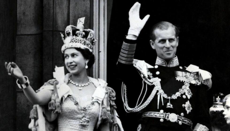 KRONET: Dronning Elizabeth og prins Philip på dronningens kroningsdag i 1953. Foto: NTB Scanpix