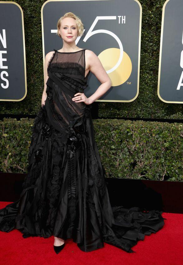 DRAPERING: «Game of Thrones»-stjernen Gwendoline Christie hedret kleskoden. Foto: NTB scanpix
