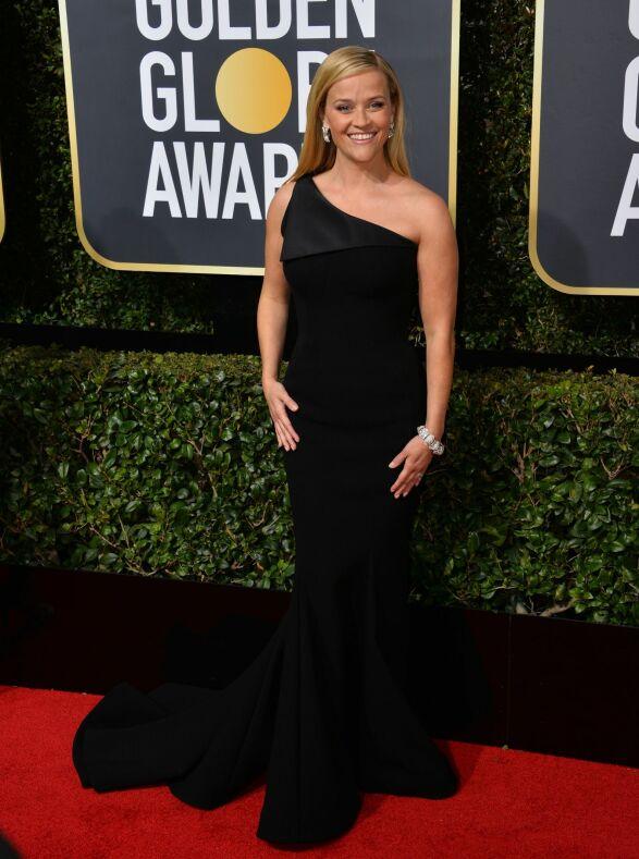 VANT: Reese Witherspoon kunne smykke seg med flere priser som følge av «Big Little Lies» på HBO. Hun var ikledd Zac Posen. Foto: NTB scanpix