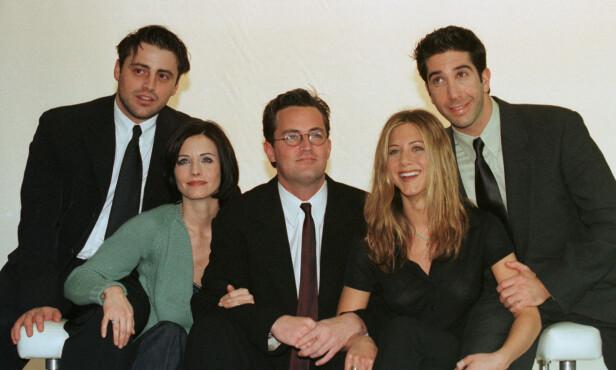 VENNER FOR LIVET: Matt LeBlanc, Courteney Cox, Matthew Perry, Jennifer Aniston og David Schwimmer ble alle stjerner gjennom ti sesonger av suksesserien. Lisa Kudrow er ikke emd på bildet. Foto: NTB Scanpix