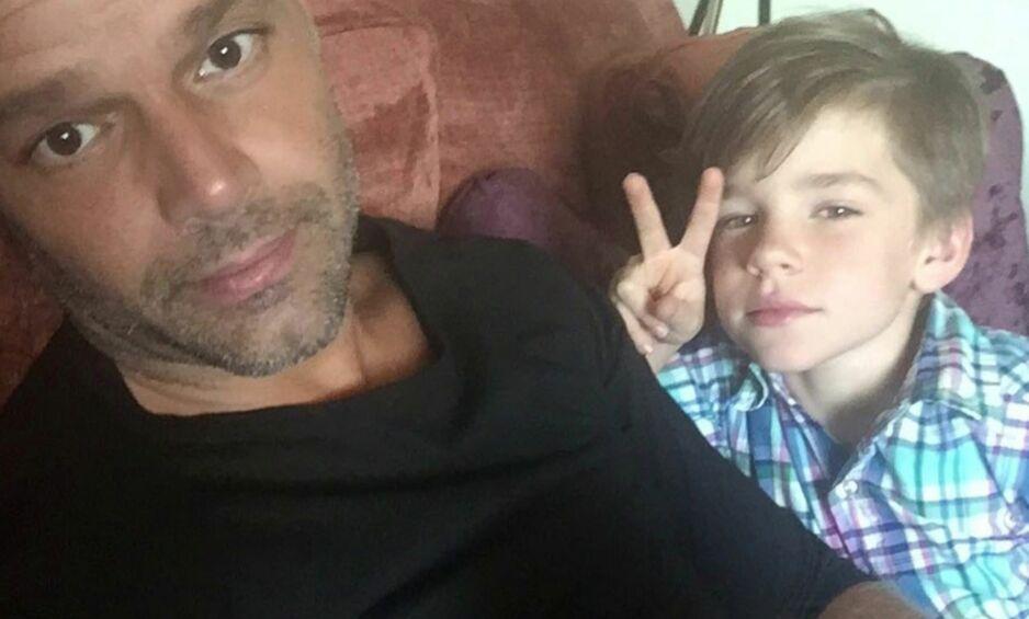 FAMILIEMANN: Ricky Martin stortrives i rollen som pappa, og takker tvillingene sine for at han nå lever det livet han var ment å leve. Foto: Instagram