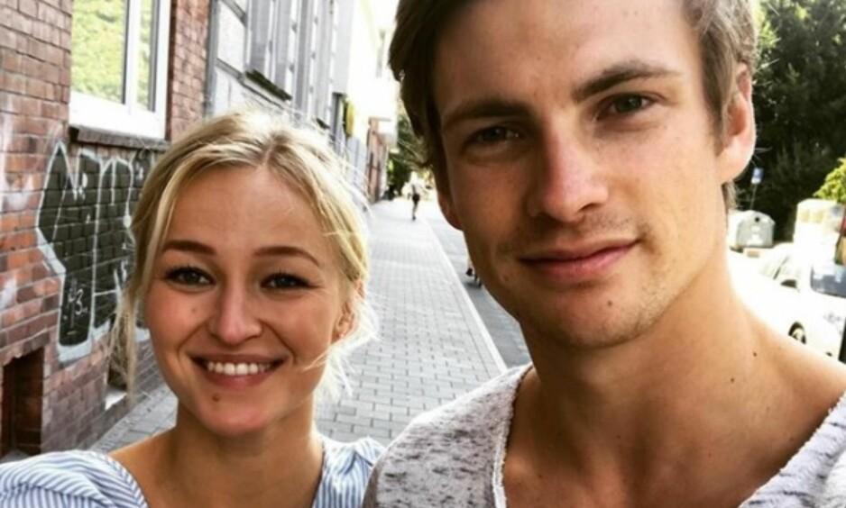 FORELSKET: De to håndballstjernene Stine Bredal Oftedal og Rune Dahmke er bosatt 1000 kilometer unna hverandre, men det hindrer ikke kjærligheten fra å blomstre. Foto: Skjermdump / Instagram