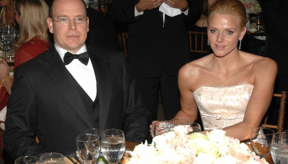 REISTE RUNDT: Charlene ble med fyrst Albert på flere offisielle oppdrag. Her er de to fotografert sammen under en galla i New York i 2007. Den gang ble hun omtalt som Alberts venninne.Foto: NTB scanpix