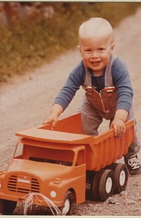 <strong>- SJELDEN I RO:</strong> Andreas Ygre Wiig forteller at han alltid var glad i fart og spenning som barn. Det tok han definitivt med seg videre inn i framtida. Foto: Privat