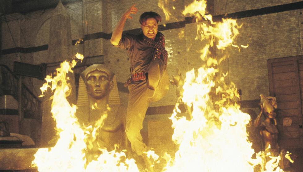 STJERNE: Brendan Fraser var et av de heteste navnene i Hollywood på slutten av 1990-tallet. Her spiller han i «Mumien vender tilbake» fra 2001, oppfølgeren til suksessen fra 1999. Foto: United International Pictures/ Filmweb.no