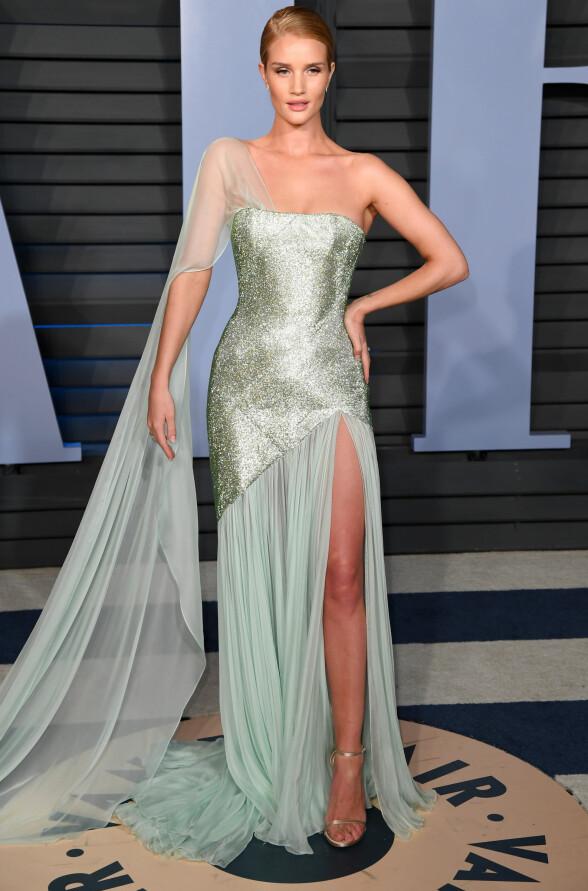 EVENTYRAKTIG: Modell og skuespiller Rosie Huntington-Whiteley. Foto: NTB scanpix