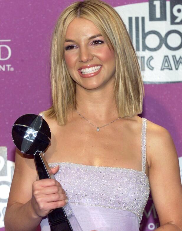<strong>UNG STJERNE:</strong> På Billboard Music Awards i 1999 fikk Britney prisen for beste kvinnelige artist. Foto: Reuters/ NTB scanpix