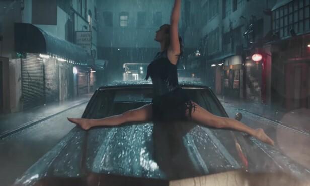 FØLES SEG FRI: Det er kun når hun føler seg usynlig at Taylor Swift føler seg lykkelig. Foto: YouTube skjermdump, Big Machine Label Group LLC