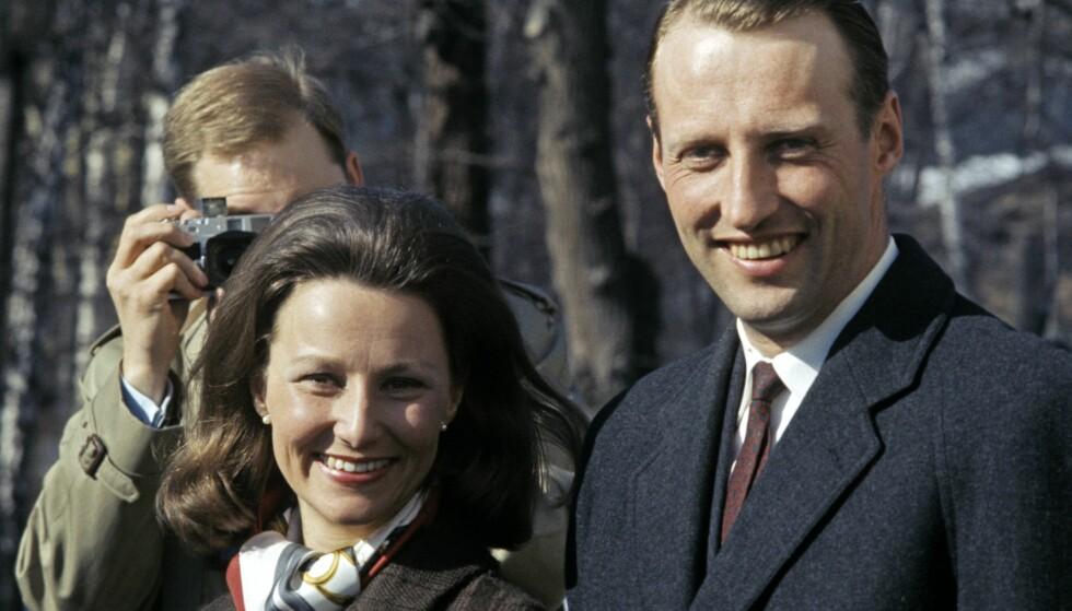 FORLOVELSEN: Kronprins Harald og Sonja Haraldsen annonserte forlovelsen 19. mars 1968. Foto: Aftenposten / NTB Scanpix