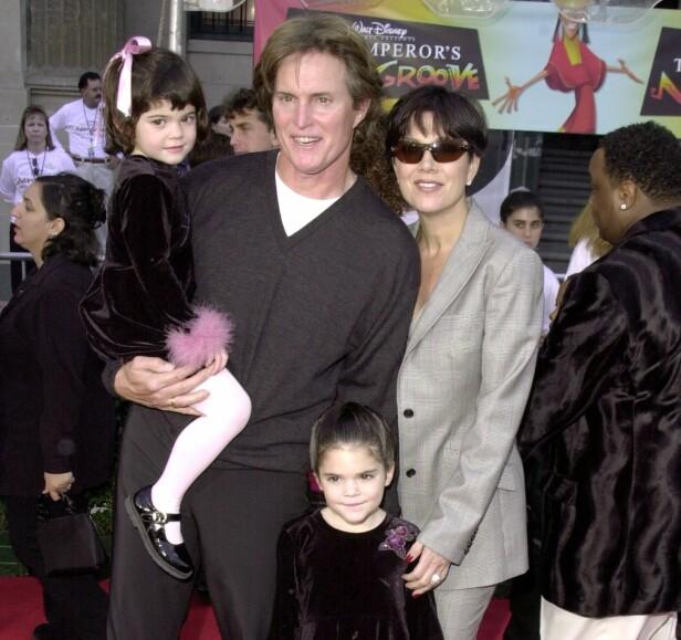 DEN GANG DA: Bruce Jenner (nå Caitlyn) og Kris Jenner var gift i 22 år og har døtrene Kylie (t.v) og Kendall sammen. Her avbildet i 2000. Foto: NTB scanpix