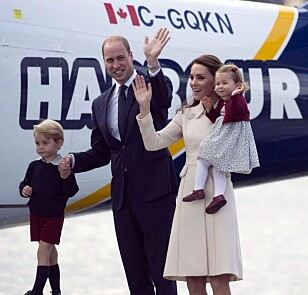 BLIR FEM: Hertuginne Kate er for tiden gravid, og venter sitt tredje barn. Det vil si at de får nok en arving å ta med seg på reise - som igjen dytter de andre arvingene lenger bak på listen. Foto: NTB scanpix