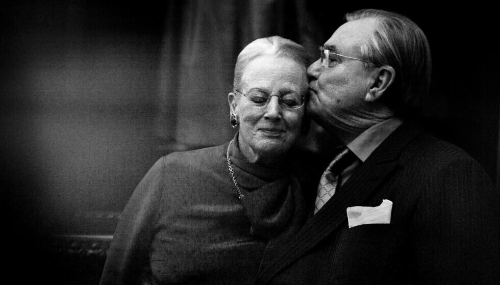 <strong>I GODE OG ONDE DAGER:</strong> Dronning Margrethe og prins Henrik fikk 51 år sammen som ektepar. Prins Henrik sovnet stille inn 13. februar på Fredensborg Slott. Foto: NTB Scanpix