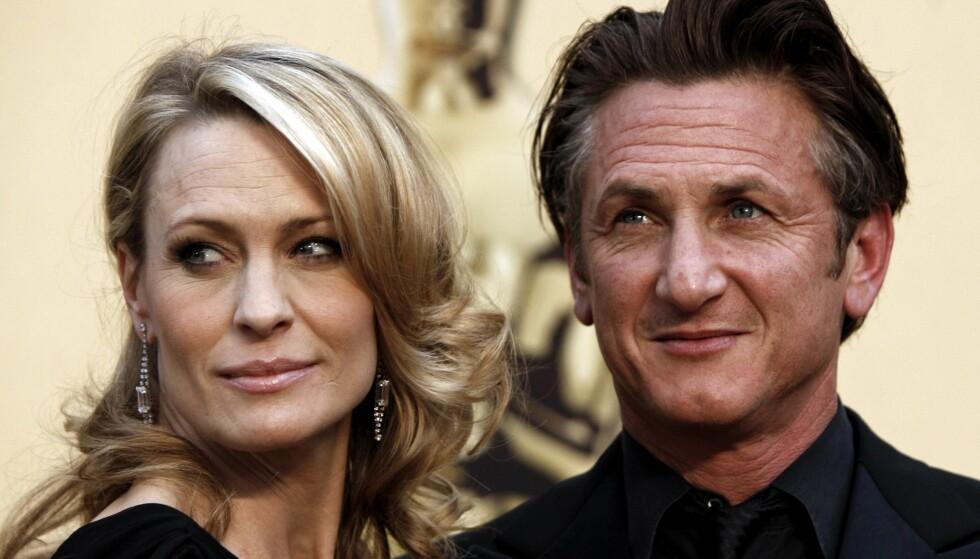 EKSER: Robin Wright og Sean Penn var et Hollywoods hotteste par. Her er de sammen under Oscar-utdelingen i 2009. Foto: NTB Scanpix