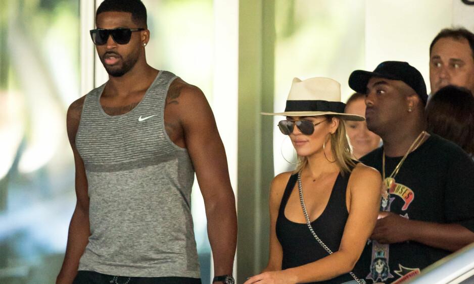 VANSKELIG TID: Det var i desember at Khloé Kardashian avslørte at hun venter barn med sin seks år yngre kjæreste Tristan Thompson. Foto: NTB Scanpix
