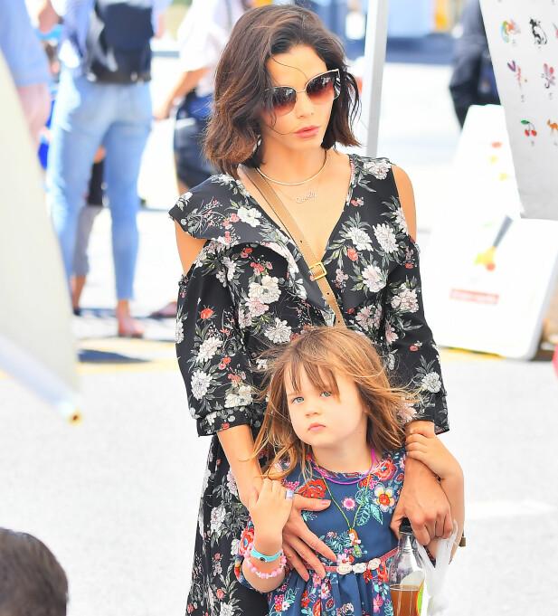 DATTER: Jenna med eksparets felles datter Everly. Foto: NTB Scanpix