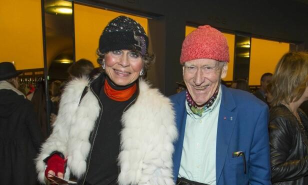 STØDIG PAR: Olav Thon og Sissel Berdal Haga har vært sammen i snart 30 år. De to jobber sammen, i tillegg til å tilbringe mesteparten av fritiden sin i hverandres selskap. Her er de to på premieren på musikalen «Chicago» på Oslo Nye. Foto: Tor Lindseth / Se og Hør