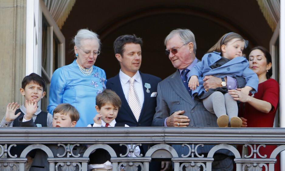 <strong>REGNSKAPETS TIME:</strong> Det har vært et tøft år for det danske kongehuset, etter at prins Henrik gikk bort. Nå viser årsregnskapet et underskudd på flere millioner. Foto: NTB Scanpix