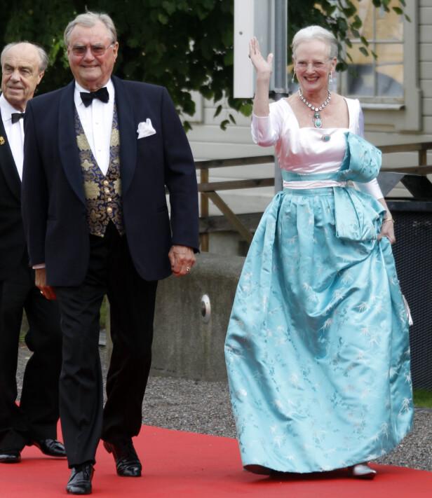 <strong>GÅTT BORT:</strong> Prins Henrik var preget av sykdom i tiden før han døde. Her avbildet sammen med dronning Margrethe i 2010. Foto: NTB Scanpix