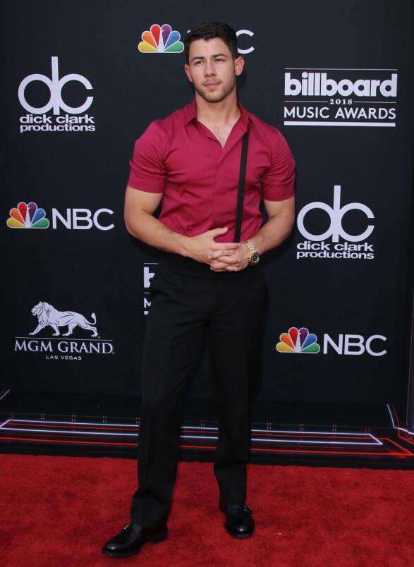 <strong>KOM ALENE:</strong> Nick Jonas kom også alene under kveldens prisutdeling. Foto: NTB Scanpix