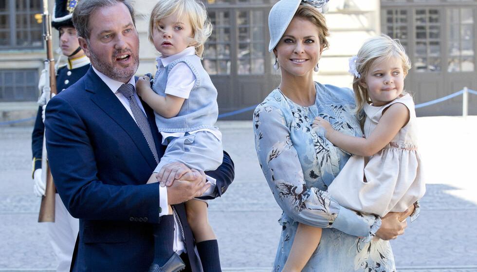 FIRE BLE TIL FEM: Familien ble nylig forøket med ett medlem, og derfor har prinsesseparet trolig valgt å flytte nå. Her er familien avbildet under kronprinsesse Victorias 40-årsfeiring. Foto: Sören Andersson / NTB Scanpix