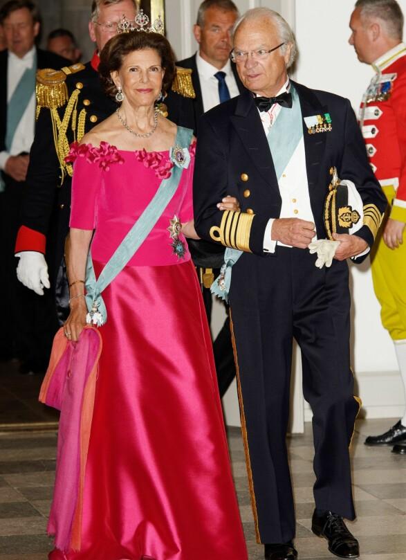PÅ FEST: Dronning Silvia og kong Carl Gustav. Foto: NTB Scanpix