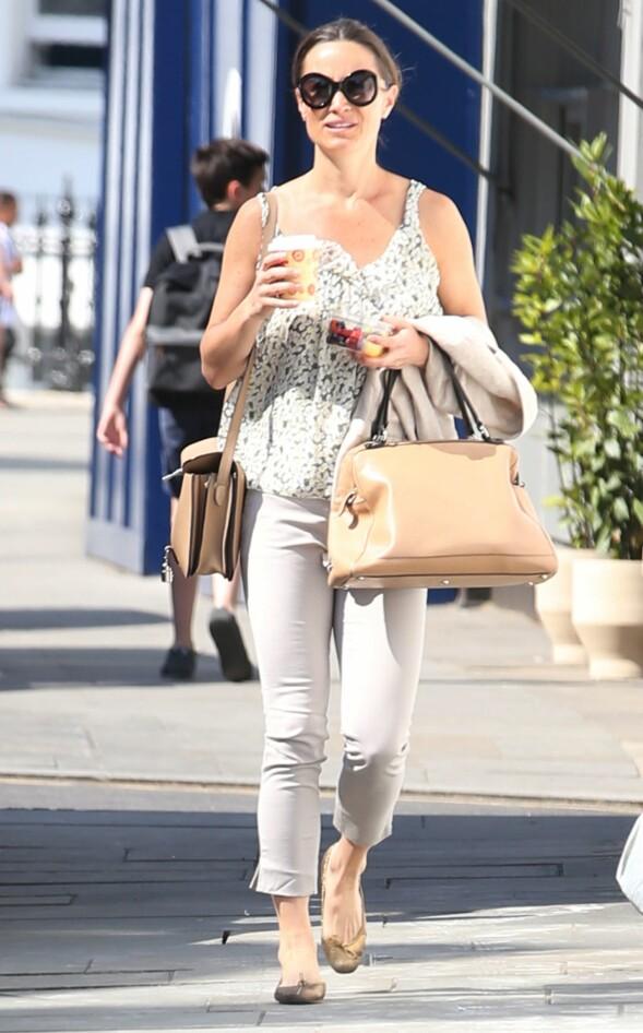 AVSLAPPET: Pippa Middleton iført en løstsittende topp og beige bukser ute i Chelsea i London i starten av mai. Foto: Beretta/Sims/REX/Shutterstock/ NTB scanpix