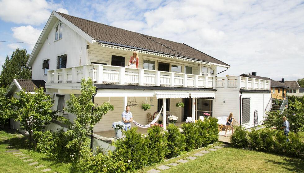GOD PLASS: Villaen er på 500 kvadratmeter, og paret bodde her i hver sin etasje. Foto: Morten Eik/ Se og Hør