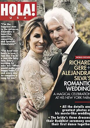 SPESIELL KJOLE: Nygifte Alejandra og Richard på forsiden av Hola! Foto: Faksimilie