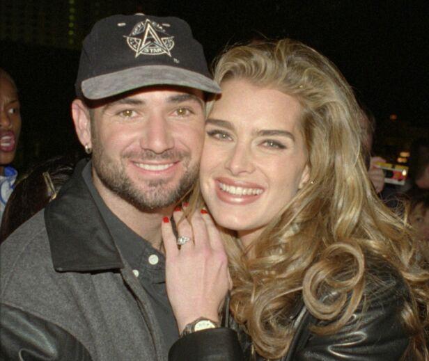 ANGRET: Brooke Shields har tidligere vært gift med André Agassi. De skilte seg i 1999, og i 2001 giftet hun seg på nytt. Foto: NTB Scanpix