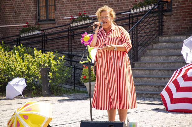 HOLDT TALE: Else holdt tale under åpningen og fortalte at hun følte seg som en dronning. Foto: Tor Lindseth / Se og Hør