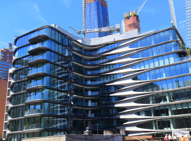 NY KÅK: Dette er bygningen Grande og Davidson skal ha kjøpt seg leilighet sammen i. Artisten Sting skal være blant naboene deres. Foto: NTB Scanpix