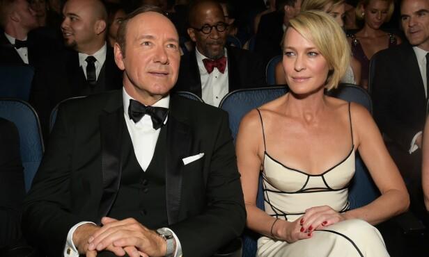 <strong>SPARKET:</strong> Kevin Spacey ble som følge av anklagene om seksuell trakassering sparket fra «House of Cards». I den sjette sesongen, som blir lansert i løpet av 2018, er det Robin Wright (t.h.) som har tatt over hovedrollen. Foto: NTB Scanpix