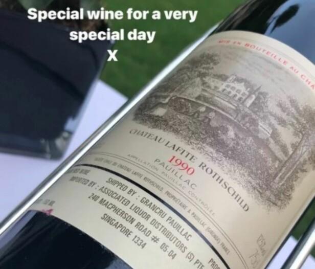 EKSKLUSIV: Duoen holdt ikke tilbake da de feiret den store dagen, og bestilte en spesielt dyr vin. Foto: Skjermdump / Instagram / Victoria Beckham