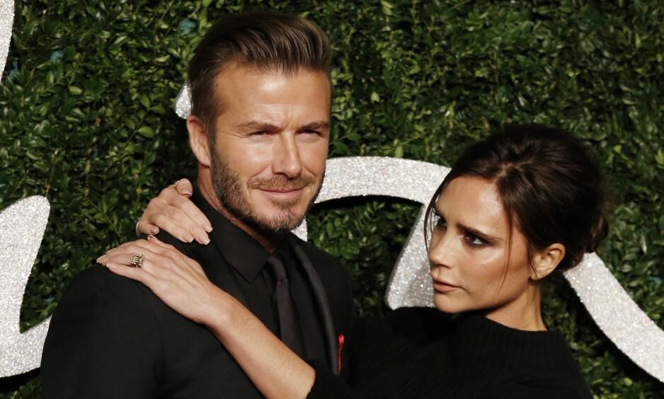 FORELSKET: David og Victoria Beckhams ekteskap er av den uvanlige sorten i kjendisverdenen, da de har holdt sammen i hele 19 år. Foto: NTB Scanpix