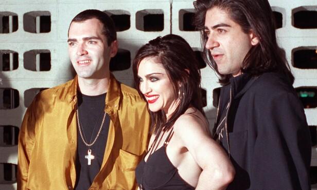 ASSISTENT: Her er Madonna og broren Christopher (til venstre) avbildet i 1991, da sistnevnte var søsterens assistent. Foto: AP / Julie Markes