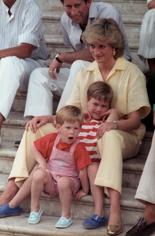 <strong>FIKK «NEI»:</strong> Ifølge forfatteren Marlene Koenig opplevde Diana å få «nei» fra dronning Elizabeth da hun ville ta med sønnene på tur til Australia kort tid før hun omkom i bilulykka i Paris. Her er de avbildet i 1987. Foto: NTB Scanpix