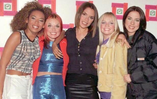 SPICE GIRLS: Mel B, Geri, Victoria, Emma og Mel C utgjorde den populære jentegruppa Spice Girls, som på 1990-tallet erobret verden med sin dansbare pop. Foto: NTB scanpix