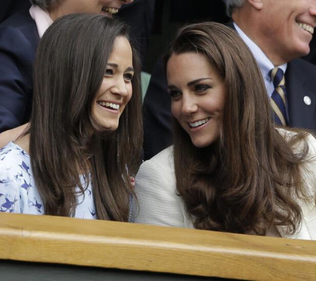 SØSKENKJÆRLIGHET: Det kan hende at Kate velger søsterens fødsel fremfor det kongelige bryllupet. Foto: NTB Scanpix