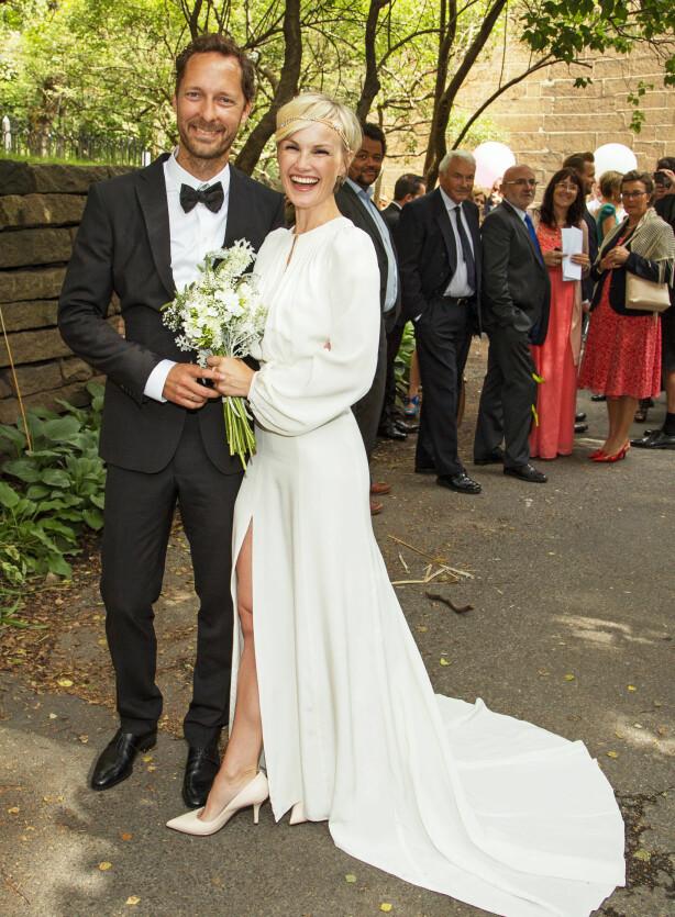 STOR DAG: For fire år siden giftet skuespillerparet seg i Oslo. Den gang var de ettbarnsforeldre -. nå har de fått nummer tre.. Foto: Tor Lindseth/ Se og Hør