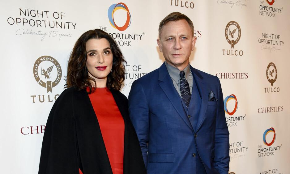 <strong>- OVERLYKKELIGE:</strong> Daniel Craig og Rachel Weisz har fått en datter. Her avbildet sammen i april - samme måned som sistnevnte avslørte den gledelige nyheten om at paret ventet barn. Foto: NTB Scanpix