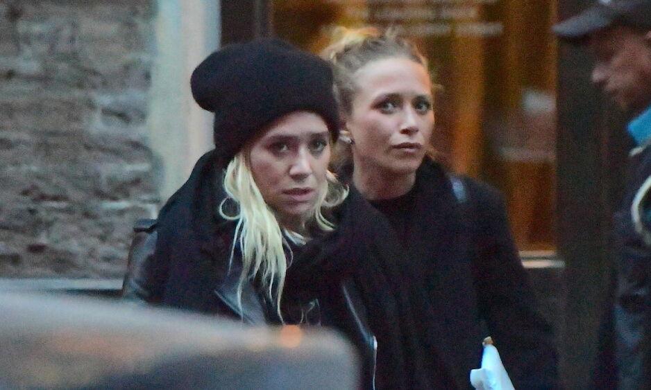 FORDUFTET: På 90-tallet var Ashley og Mary-Kate Olsen et av verdens mest omtalte tvillingpar. Nå forteller jentene hvorfor de ikke lenger er like synlige i offentligheten. Foto: NTB Scanpix