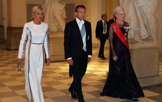 LIKNER: Frankrikes president gikk også for sjakett under gallaen. Foto: NTB Scanpix