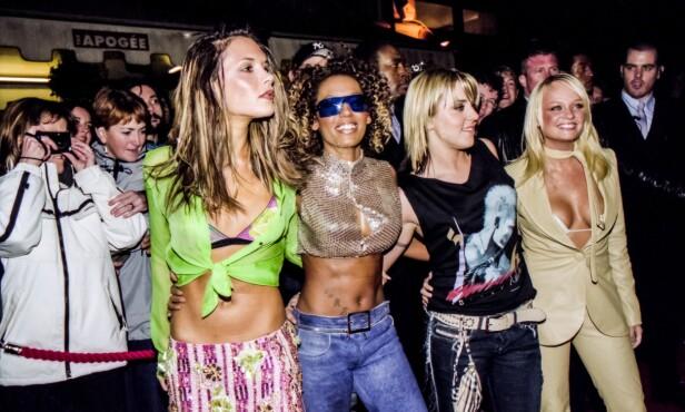 VERDENSSTJERNER: Victoria Beckham ble verdenskjent da hun var med i jentegruppen Spice Girls. På samme tid møtte hun ektemannen. Her med Mel B, Mel C og Emma Bunton. Foto: NTB Scanpix