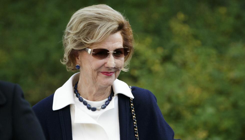 PLASTER PÅ NESEN: Dronning Sonja dukket mandag opp med et plaster på nesen. Foto: Cornelius Poppe / NTB Scanpix