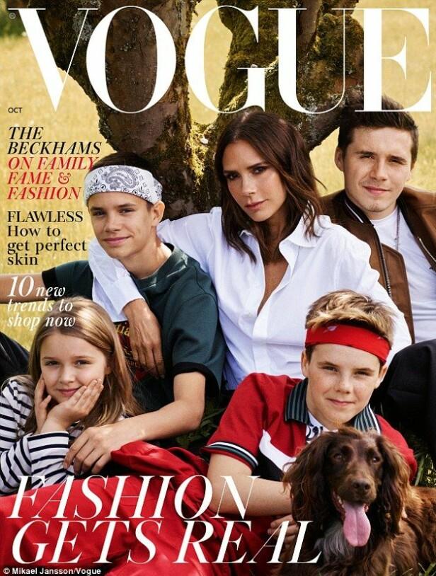 ALENEMOR: Forsiden på den nyeste utgaven av Vogue har fått mange til å sperre opp øynene. Flere hevder blant annet at hun indirekte bekrefter at hun nå er blitt en alenemor slik det later til på bildet. Foto: Faksimile, Vogue